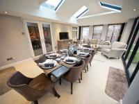 Solid Roof Livinroom
